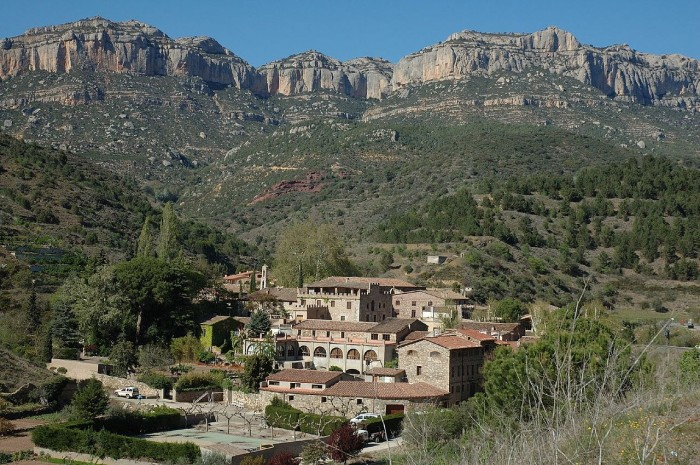1280px-Cartoixa_d'Escaladei_-_Vista