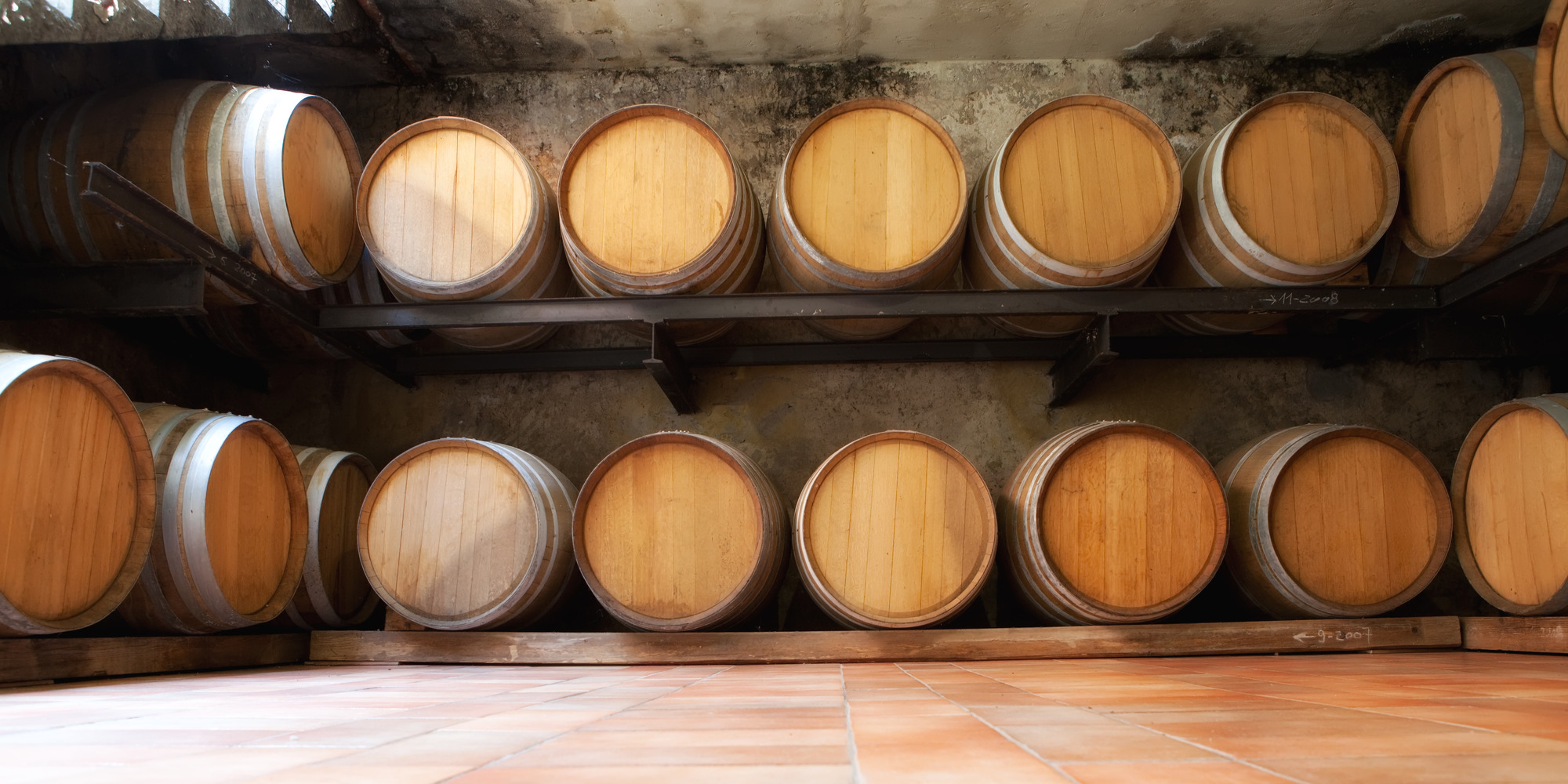 photodune-1237614-wine-barrels-m