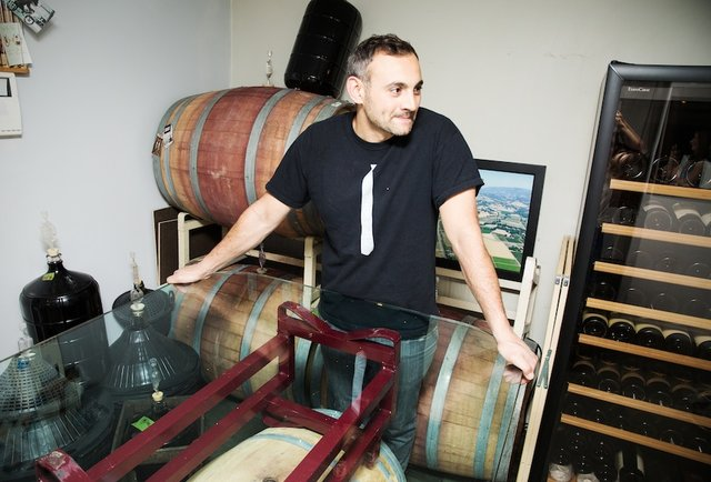 this-guy-put-an-entire-winery-in-his-550-square-foot-nyc-apartment