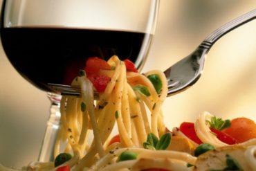 1452187407-wine-spaghetti