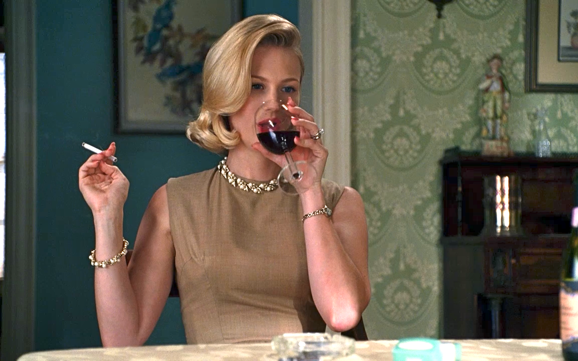 10 hilarious tweets that prove wine helps you win at parenting